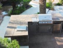 Laguna Showroom Outdoor Kitchen 2