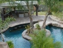 Outdoor Kitchen Island Planter with Bridge Swimup Bar