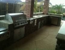 Outdoor Kitchen with Granite Counter Tops