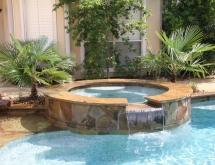 Pool with Flagstone Raised Spa